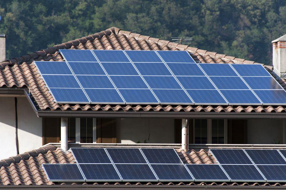 Investimento em energia solar pode gerar mais lucros que poupança